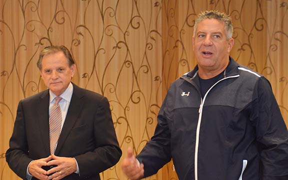 National Campaign Co-Chair Wayne T. Smith introduced Coach Bruce Pearl, who addressed the College of Education's Development Leadership Team at its quarterly meeting.